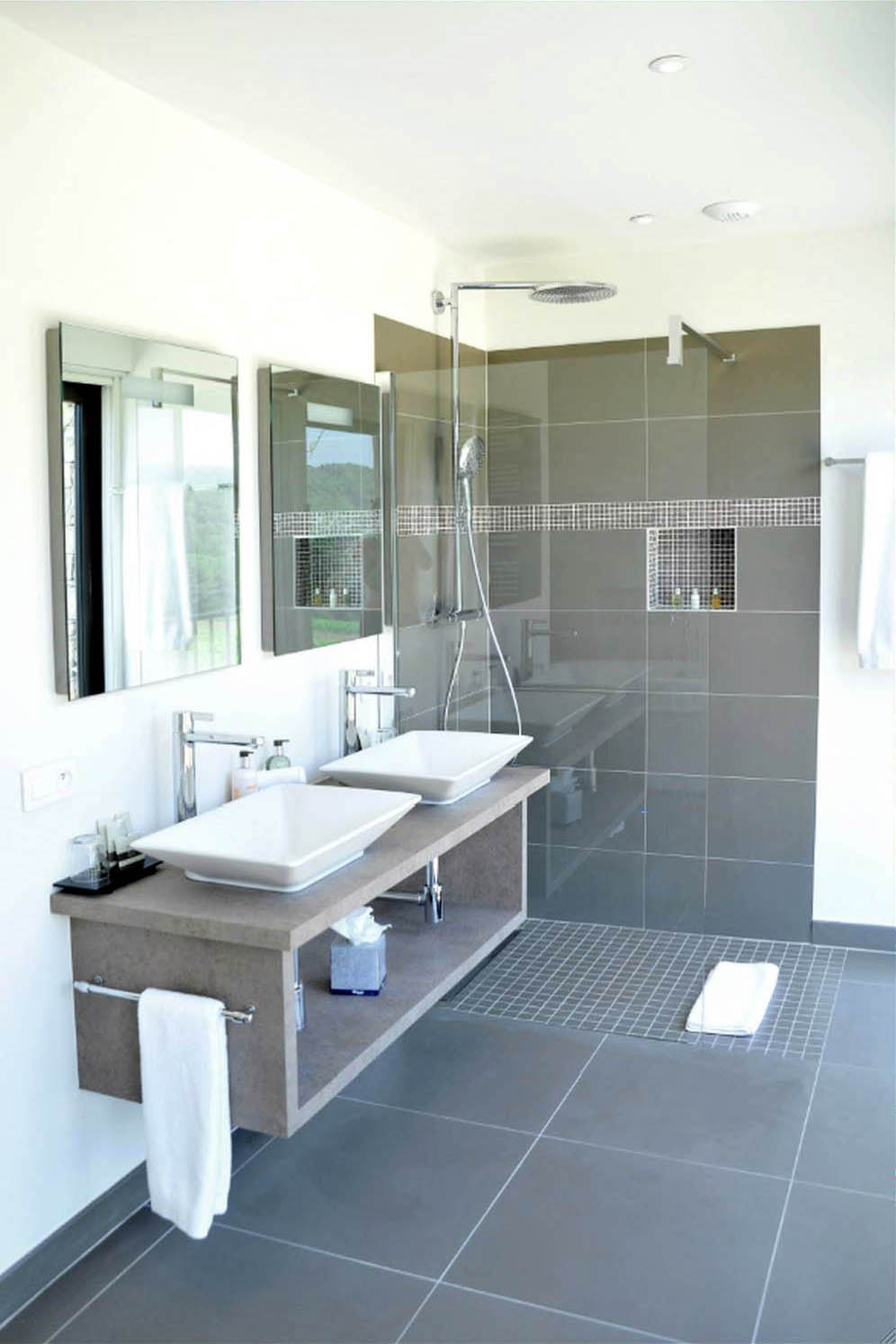 R novation salle de bain aix en provence marseille 13 for Salle de bain moderne photo